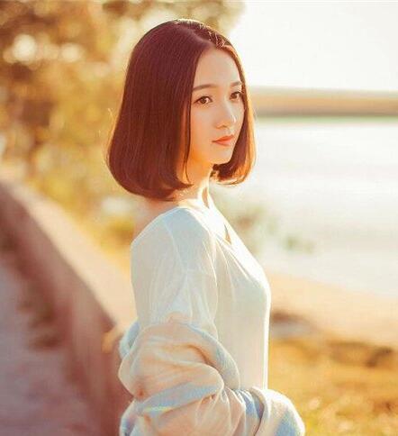 最新流行显瘦时髦包包头女短发发型