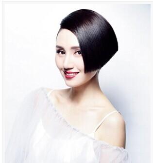 袁泉犀利个性短发发型
