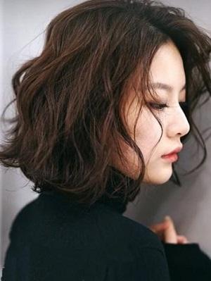 19 年最流行的短发烫发图片