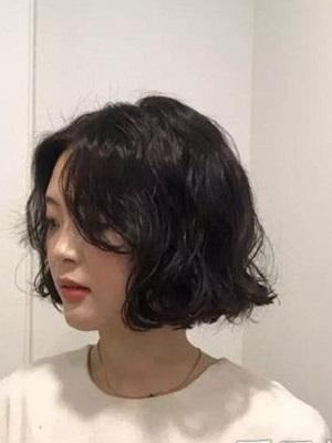最流行剪什么烫短发发型图片