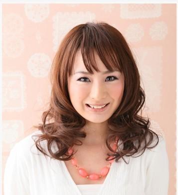 女生短发烫发发型