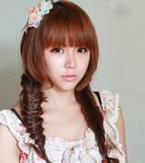 齐刘海双马尾蝎子辫发型