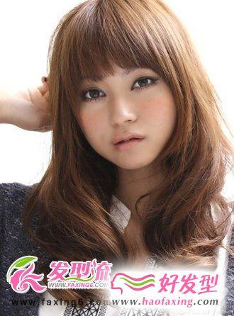 齐刘海卷发发型