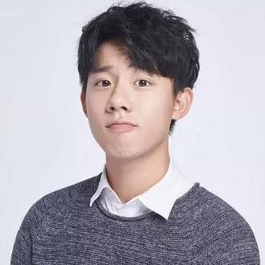 男生帅气刘海发型 男生不露额头发型图片 帅气男生发型设计01