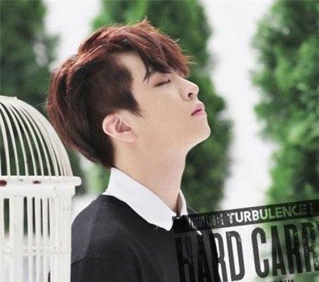 逗号刘海发型图片 韩国男生发型图片 流行男生刘海发型05