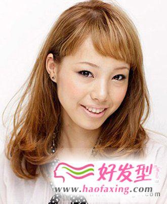 韩式中短卷发发型  可爱女生发型
