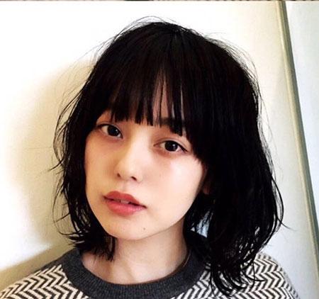 韩式女生发型 女生显脸小发型 年轻女生发型5