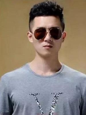 男士无刘海短发发型 清爽时尚又帅气
