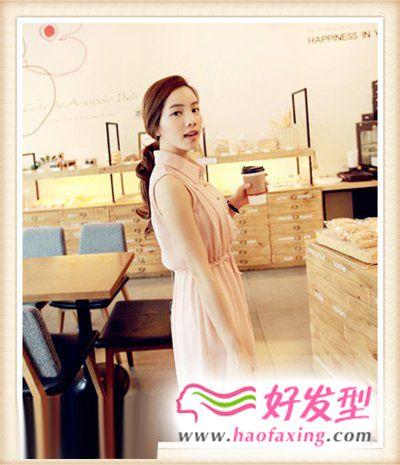 夏季的潮流时尚 温婉女王发型
