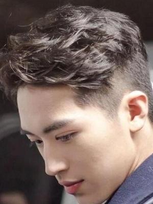男士短发两边剃掉清爽发型