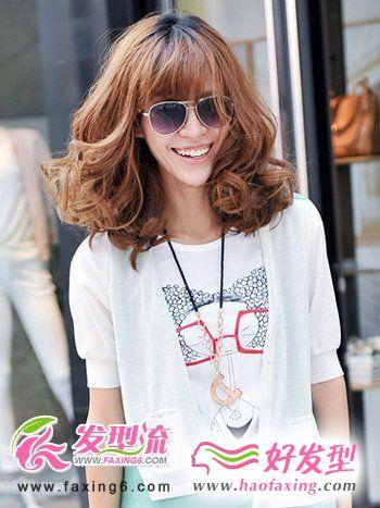 蓬松梨花头发型