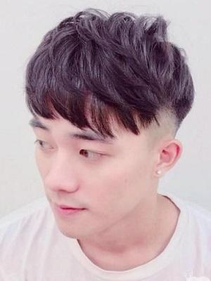 最流行男生发型