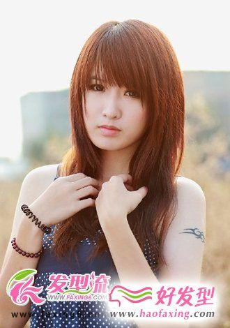 红棕色直发发型图片