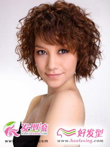 潮女气质短发打造个性造型