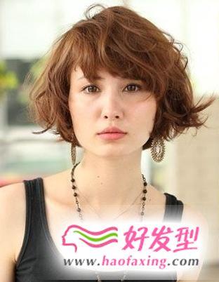 介绍大脸适合的中短发发型图片 轻松帮你修饰大饼脸