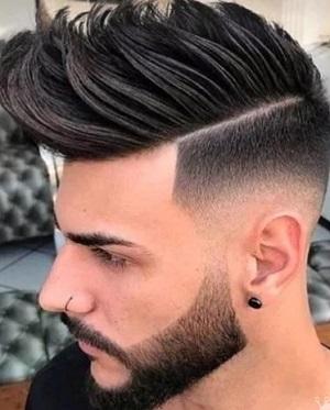 今年最流行的发型男生