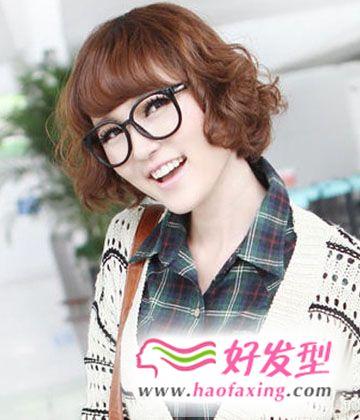 时尚女生修颜短发发型图片