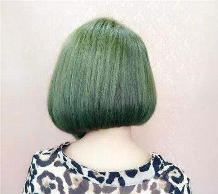 短发斜后切发型 今年流行发型 不规则沙宣发型5