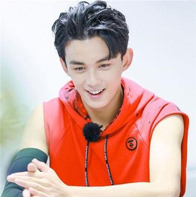 韩式男生烫发 男生烫发流行发型 男生流行发型推荐03