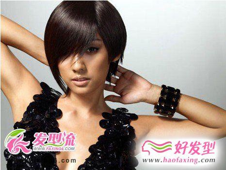 韩国歌手李孝利魔女发型  性感魅力