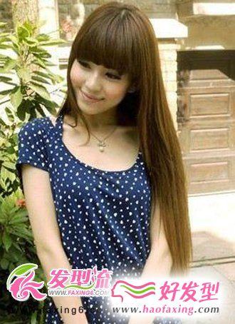 齐刘海长直发发型