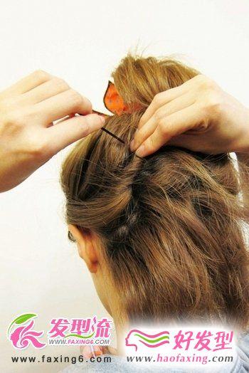 短发变盘发 潮MM示范盘头发的方法