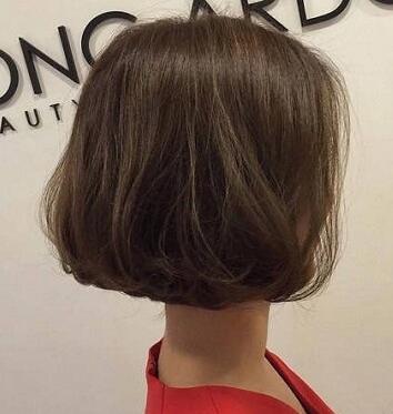 2017妹纸偏爱的短发烫发发型合集05