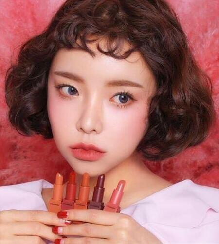 2017女大学生适合的流行韩式短刘海发型图片07
