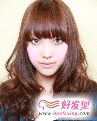灵动感蓬松卷发发型 2013年这个春季最流行