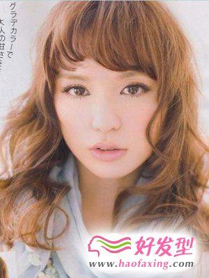 杂志封面女生烫发  2012日系发型