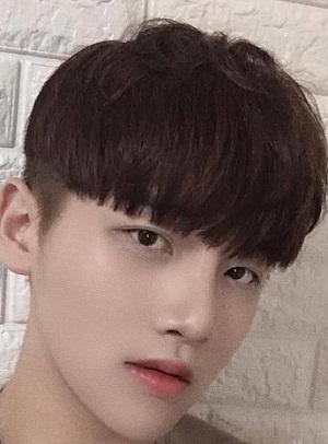 男生发型短发