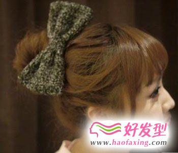 直发丸子头的扎法图解 教你怎么梳丸子头
